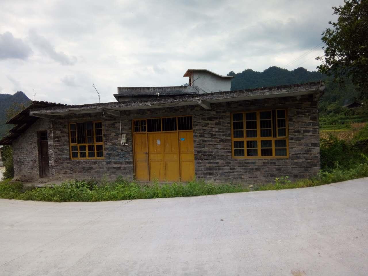 湘西龙山县猛西村闲置农房